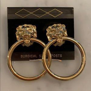 Unworn 1980s lion with hoop gold plated earrings